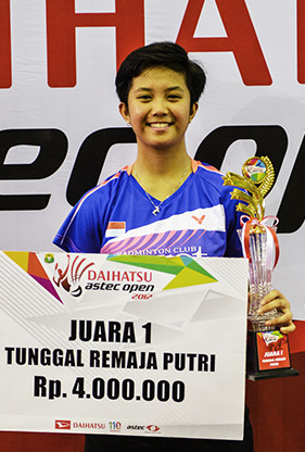 Irgi Apprilla Hizkia Rifa Putri from PB Exist (U17 Single Female Winner)